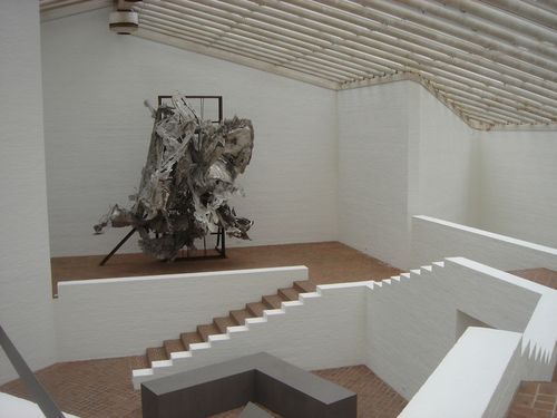 Glass House Sculpt. Gallery interior 2