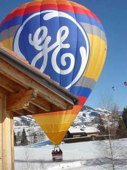 Balloonnear chalet