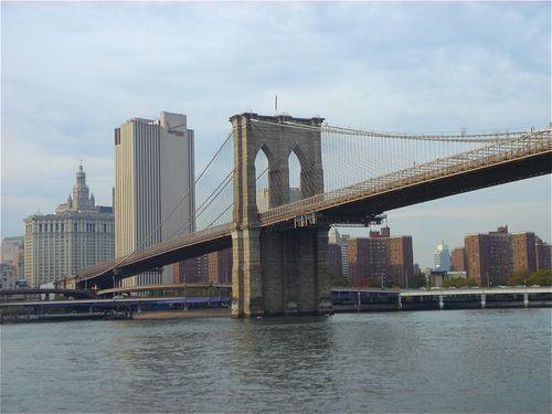Brookly Bridge w:City backgroundJPG