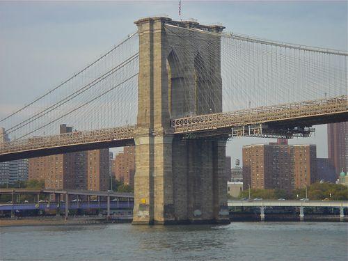 Brookly Bridge close-up