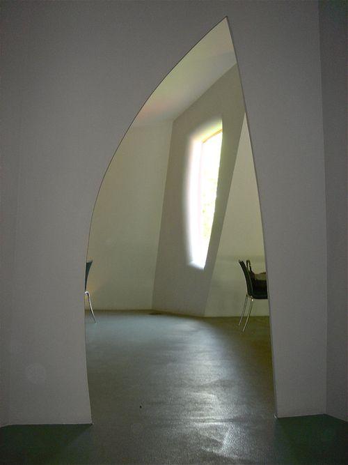 Glass House Da Monster interior 3