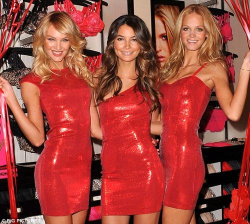3 Red Girls
