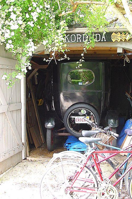 Model T garage