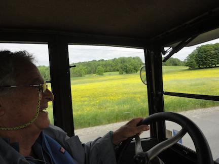 VLADI DRIVING YELLOW FIELD 1