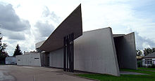 220px-Vitra_fire_station,_full_view,_Zaha_Hadid