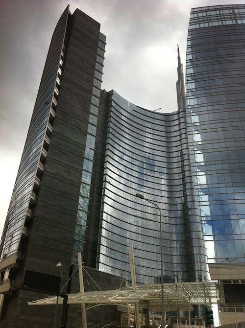 PELLI BUILDING 2