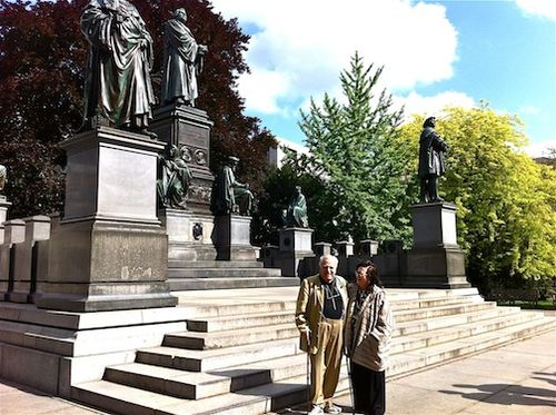 Tanya & me Luther Statue