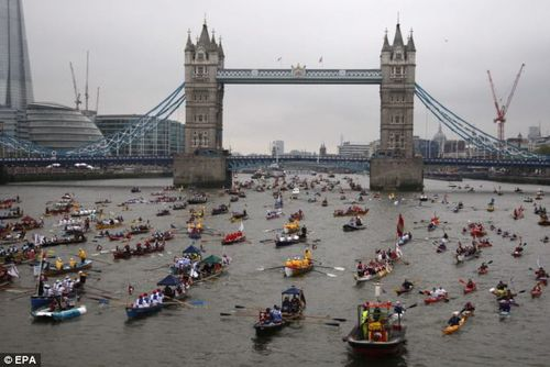Row boats on Thames