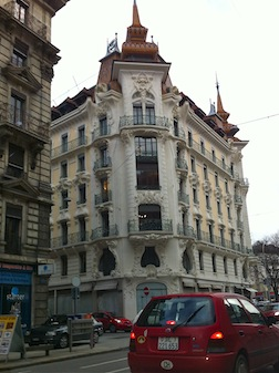 Corner building 5