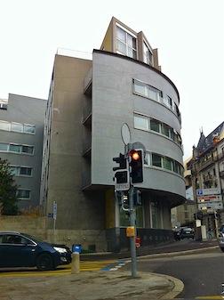 Corner building modern 5
