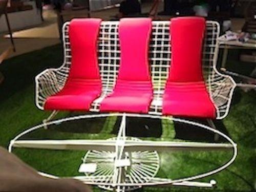 OASIQ Capricorn Sofa & Table