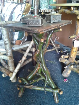Pratt end table 3.5
