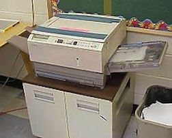 220px-Photocopier-Xerox-2004