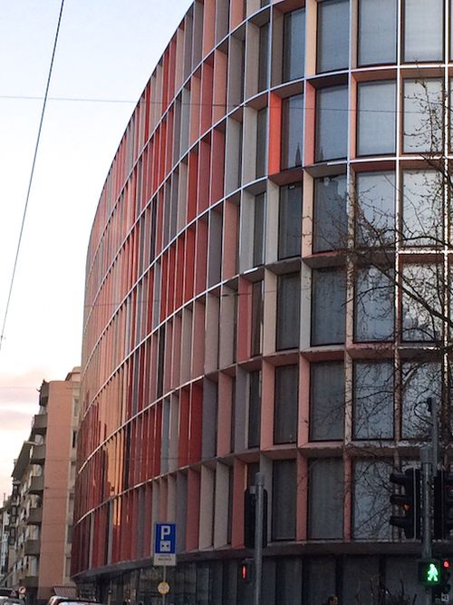 CURVED BUILDING COLOR WINDOWS 7