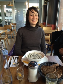 Pretty girl Nadege lunch 3.5