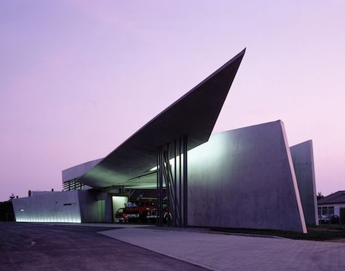 1993_Vitra Fire Station, Weil am Rhein, Germany_photo Christian Richters